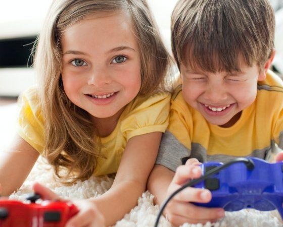 Mokome autistišką vaiką žaisti