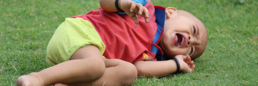 Kaip išmokyti vaiką ramiai priimti neigiamą atsakymą